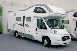 fifthwheel un camping car hybride entre capucine et caravane vid os buzz camping car magazine. Black Bedroom Furniture Sets. Home Design Ideas