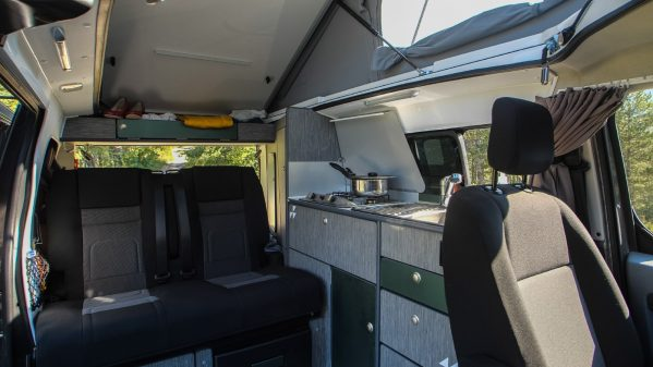 un peugeot expert 4x4 chez iroise fourgons am nag s actus des marques camping car magazine. Black Bedroom Furniture Sets. Home Design Ideas