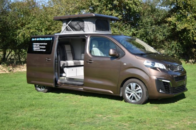l 39 auto loisirs 4 de mcc le camping car deux visages. Black Bedroom Furniture Sets. Home Design Ideas