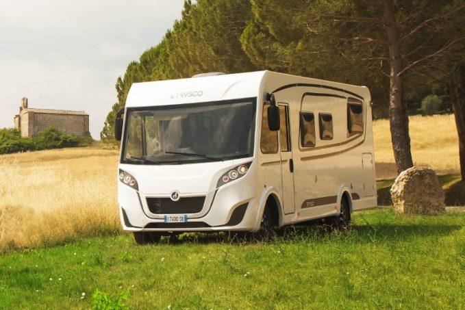 une nouvelle gamme d 39 int graux chez etrusco actus des marques camping car magazine. Black Bedroom Furniture Sets. Home Design Ideas