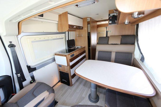 essai camp r ve magellan 743 tous les essais camping car magazine. Black Bedroom Furniture Sets. Home Design Ideas