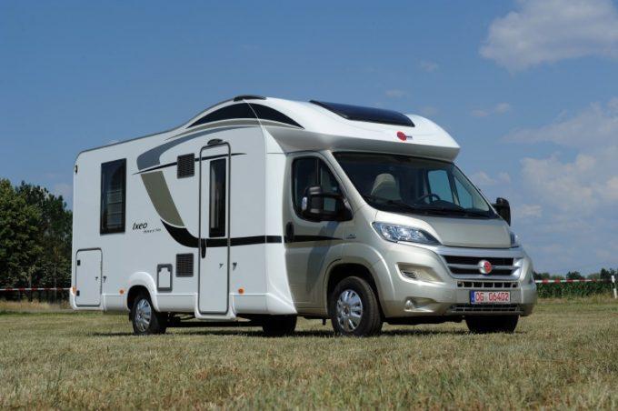 le b rstner ixeo time it 745 fait peau neuve actus des marques camping car magazine. Black Bedroom Furniture Sets. Home Design Ideas
