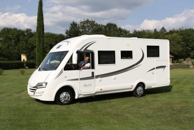 mclouis nevis 862 g moins de 7 00 m actus des marques camping car magazine. Black Bedroom Furniture Sets. Home Design Ideas