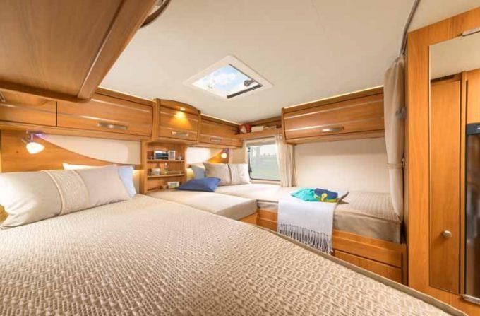 hymer d voile deux profil s sur mercedes actus des marques camping car magazine. Black Bedroom Furniture Sets. Home Design Ideas