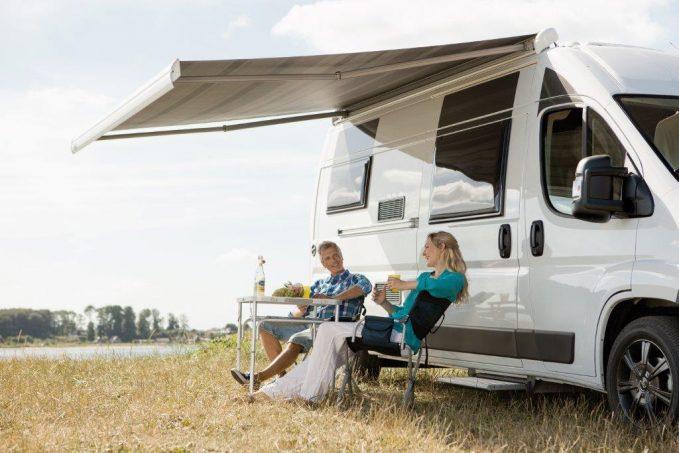 store dometic premium pour fourgons quipements et accessoires camping car magazine. Black Bedroom Furniture Sets. Home Design Ideas