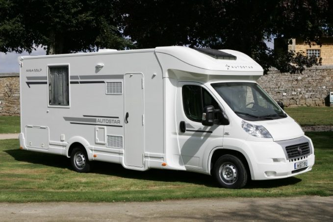 profil autostar ax a 65 lp actus des marques camping car magazine. Black Bedroom Furniture Sets. Home Design Ideas
