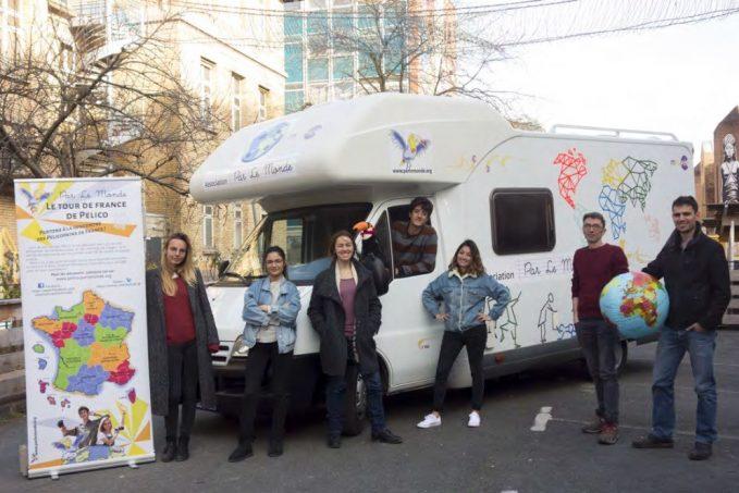 la pelico mobile le camping car de l association par le monde sur les routes de france. Black Bedroom Furniture Sets. Home Design Ideas
