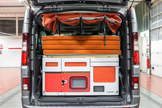 l 39 tonnant camping car du pr parateur irmscher quipements et accessoires camping car magazine. Black Bedroom Furniture Sets. Home Design Ideas